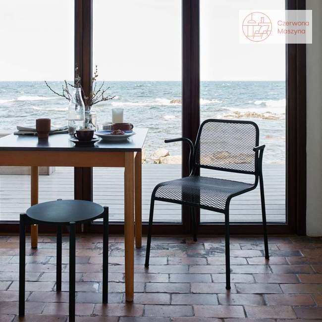 Krzesło z podłokietnikiem Skagerak Mira antracytowe