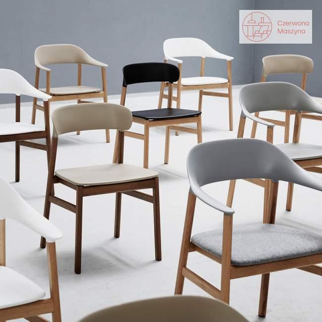 Krzesło z podłokietnikiem tapicerowane Normann Copenhagen Herit oak leather grey