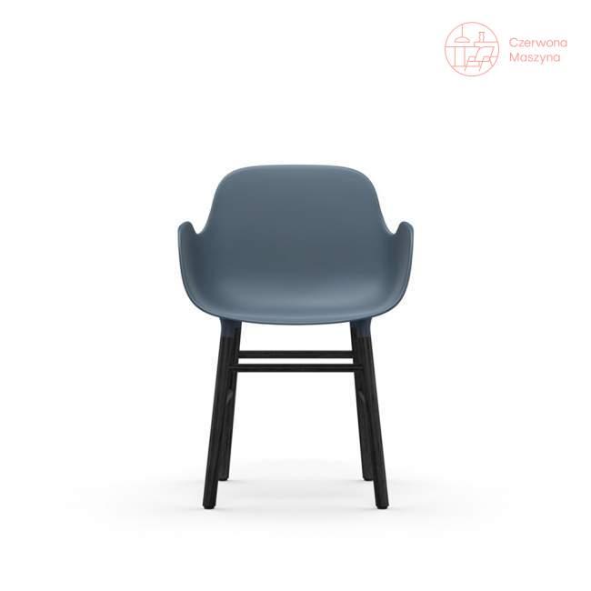 Fotel Normann Copenhagen Form, niebieski z czarnymi nogami
