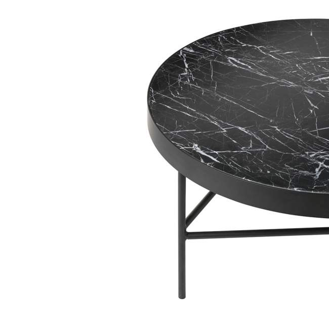 Stolik ferm LIVING Ø 70,5 cm, czarny