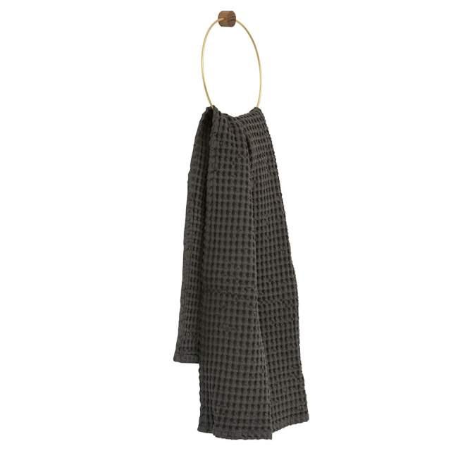 Wieszak na ręcznik ferm LIVING Ø 20,5 cm, mosiężny OU