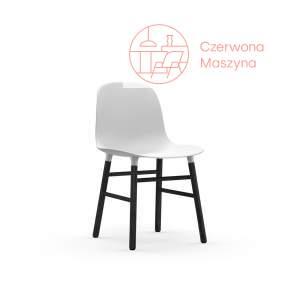 Krzesło Normann Copenhagen Form, białe z czarnymi nogami