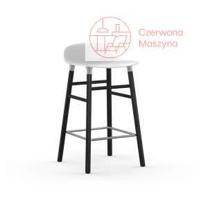 Krzesło barowe Normann Copenhagen Form 65 cm dąb, białe z czarnymi nogami