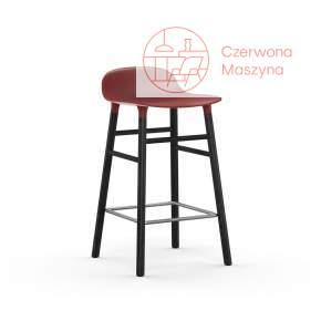 Krzesło barowe Normann Copenhagen Form 65 cm dąb, czerwone z czarnymi nogami