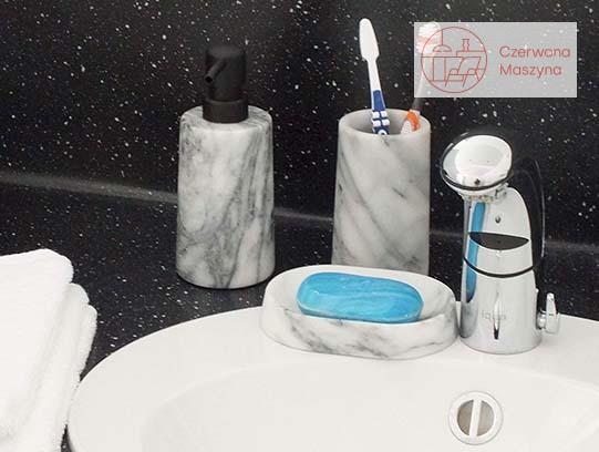Kolekcja akcesoriów łazienkowych Kela Varda