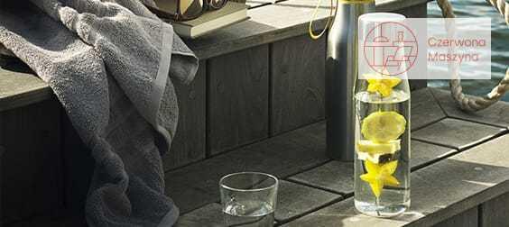 Karafka na wodę ze szpikulcem