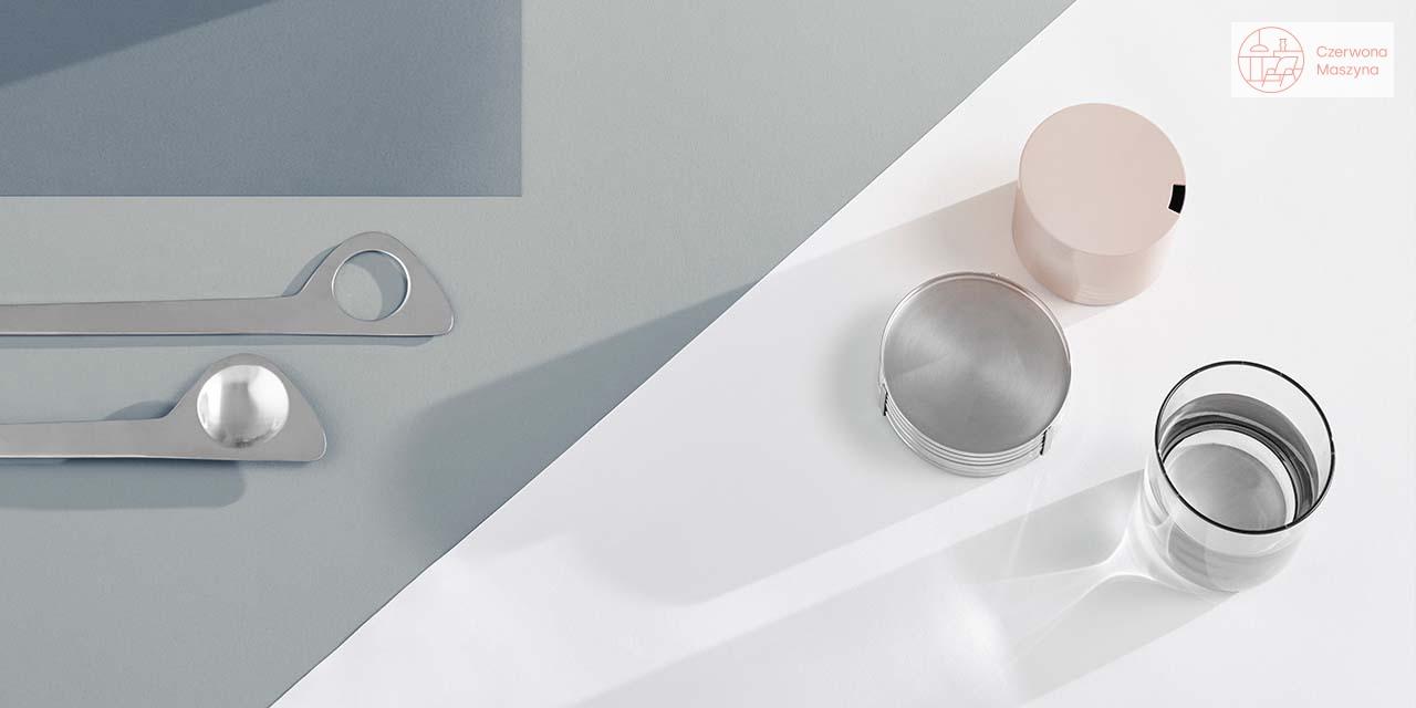 Kolorowe elementy Cylinda Line ze stalową, klasyczną wersją.