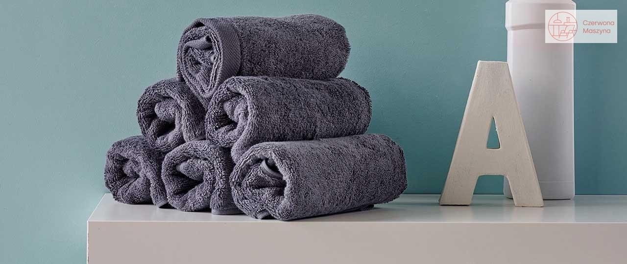 Przechowywanie w łazience – sposób na ręczniki